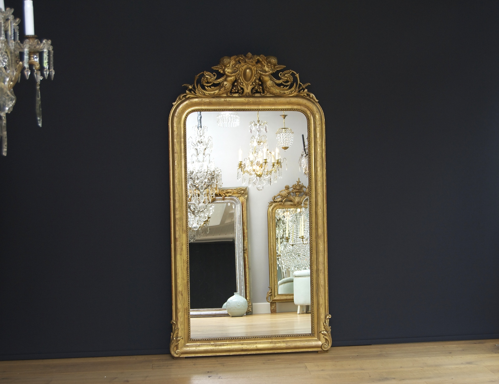 Large French mirror with a beautiful crown (H:159xW:86cm)
