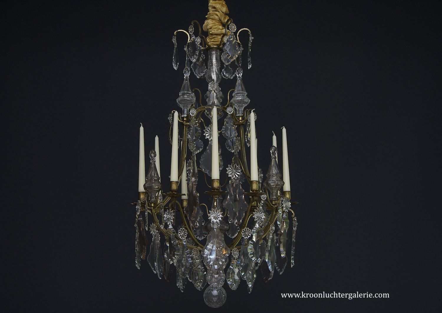 Gilt bronze French chandelier with candles in Louis XV style