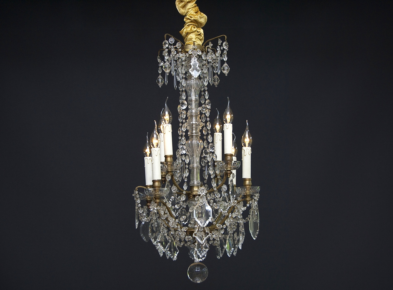 Antique French chandelier with 8 light