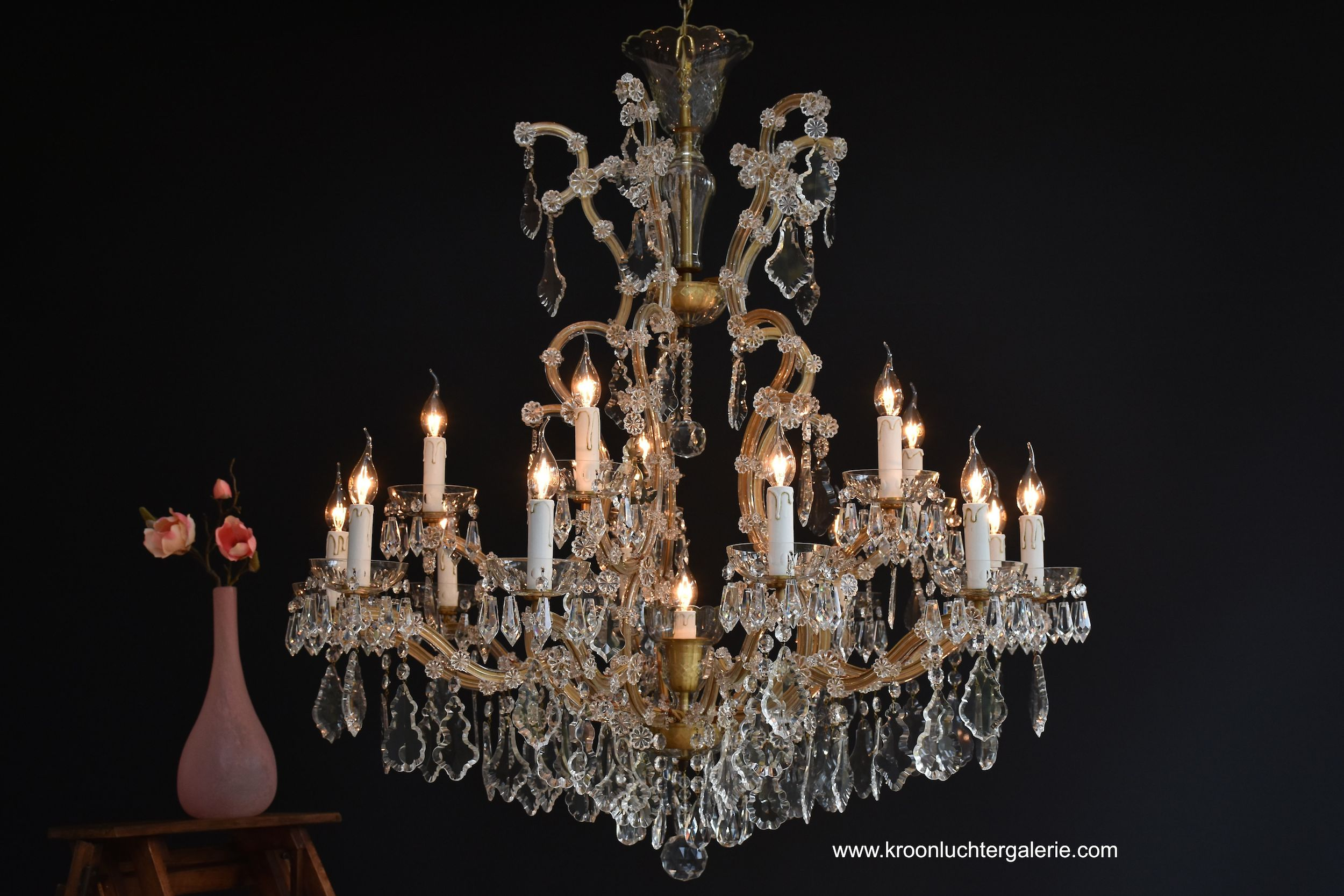 Large chandelier 'Maria Theresia' with 16 light, Ref. 574