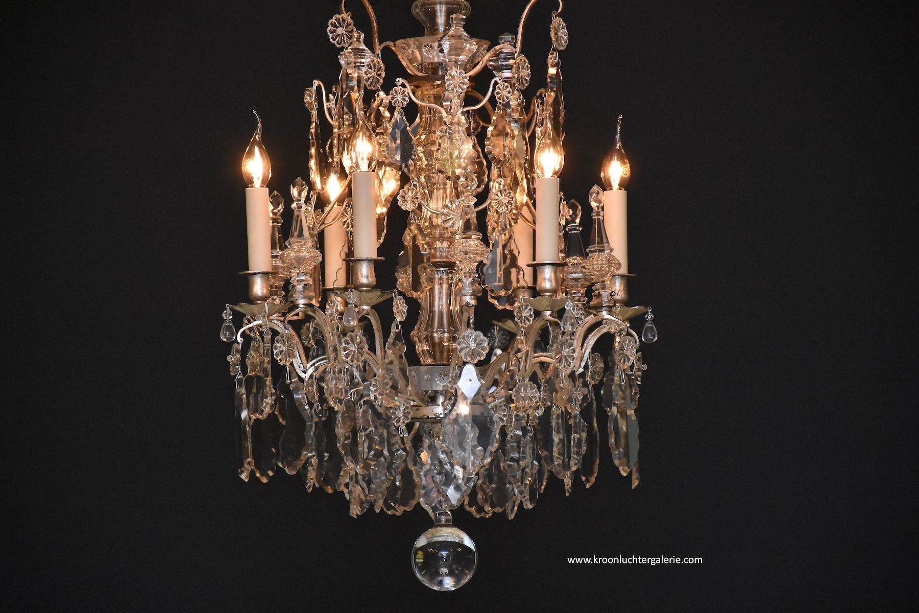 French chandelier 'lustre cage' in the style of Louis XV