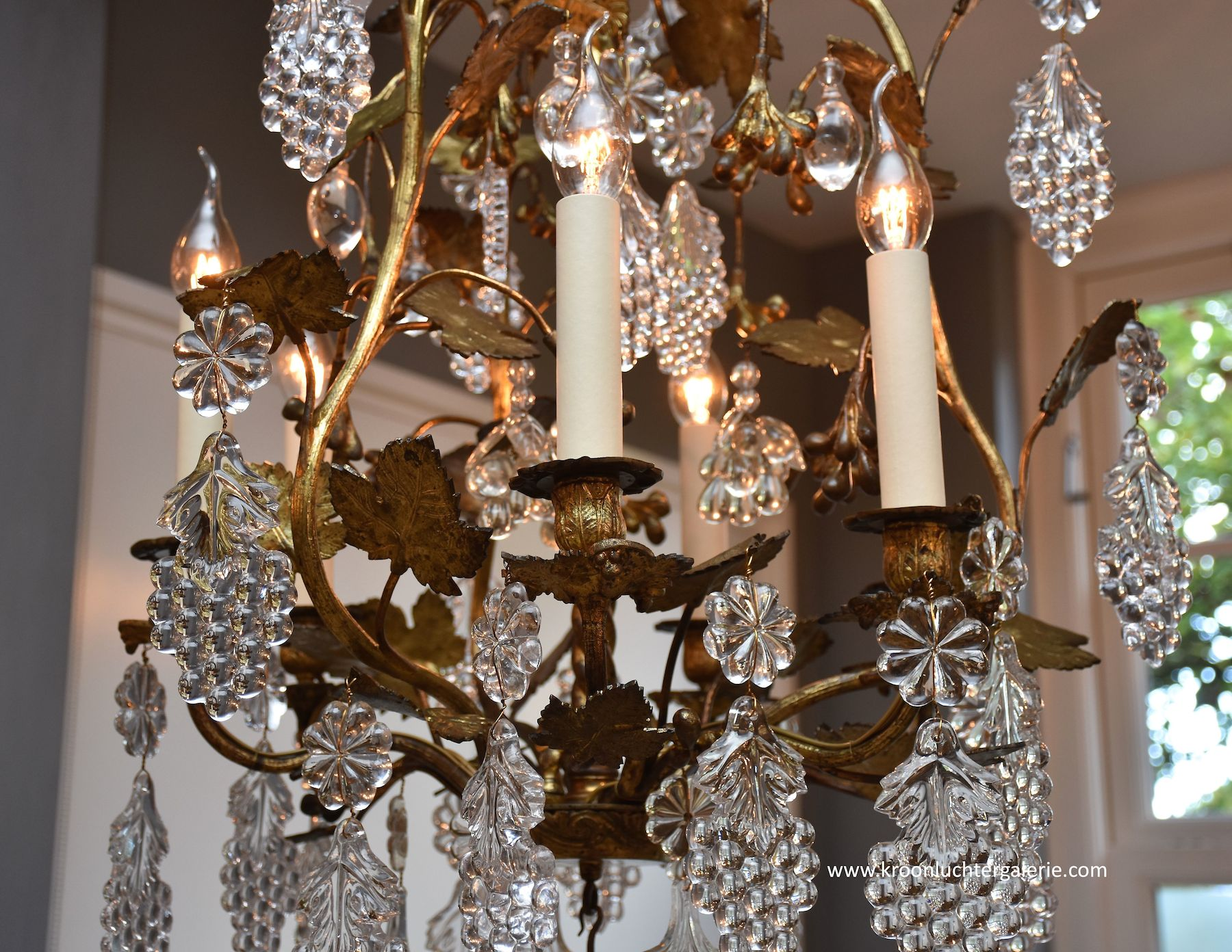 Gilt bronze French chandelier with 6 light