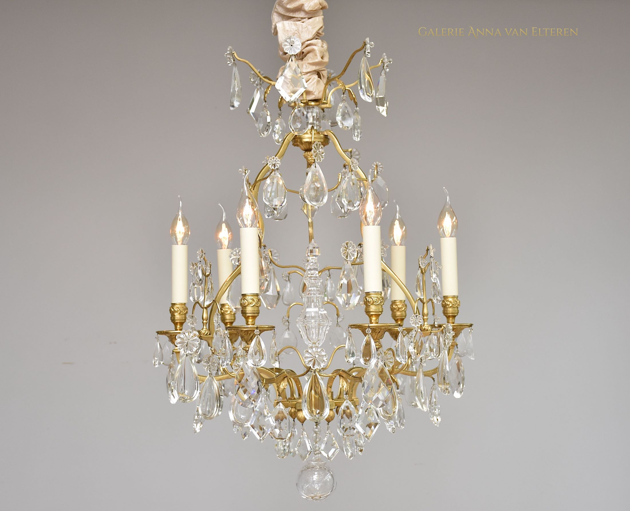 Gilt bronze French chandelier by Maison Baguès
