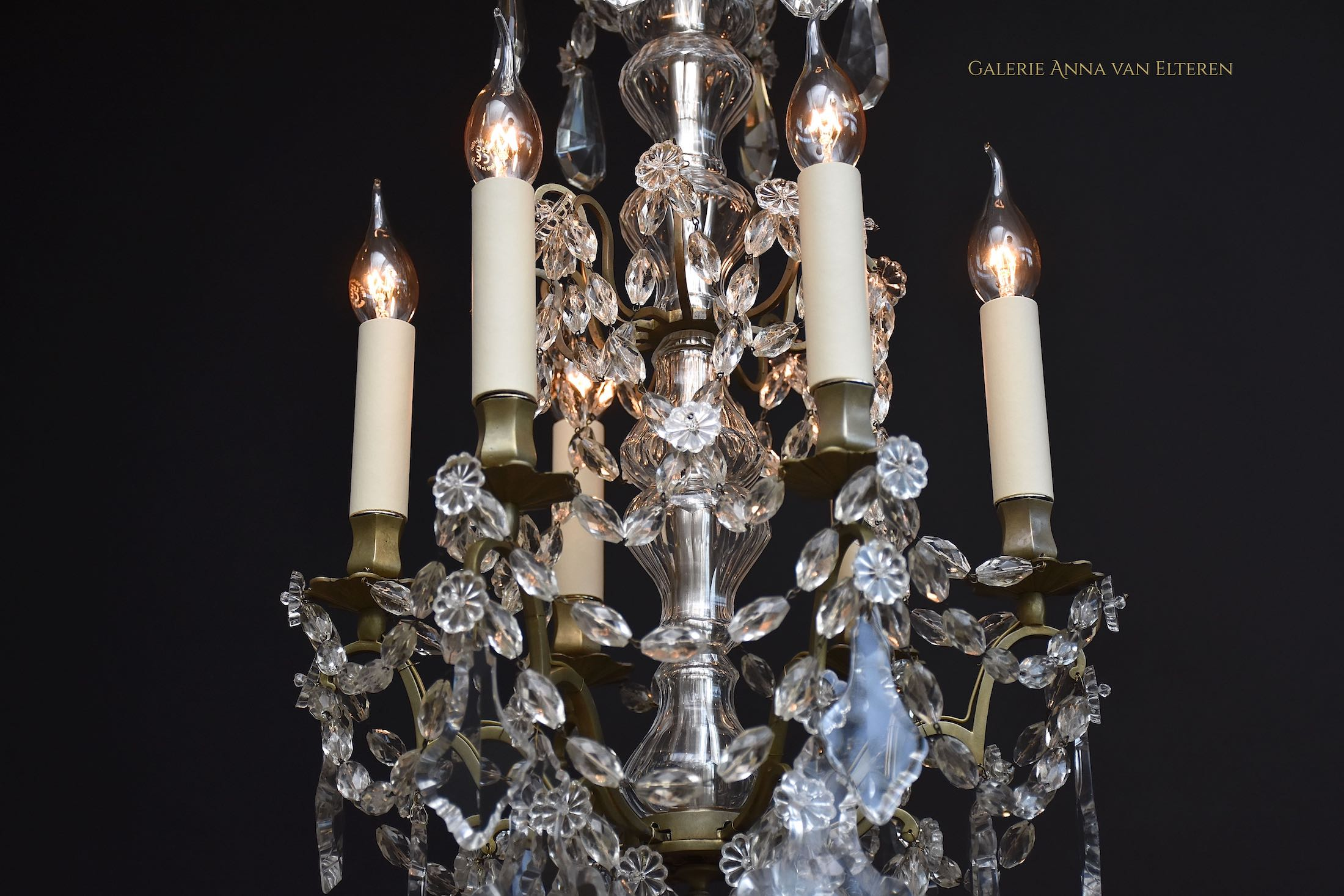 Antique French chandelier in the style of Louis XVI