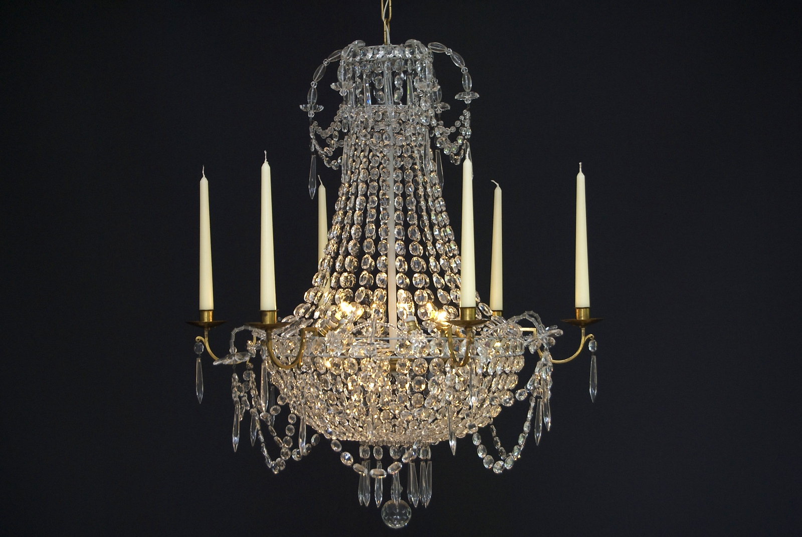 A 20th century French chandelier with 9 light and 6 candles