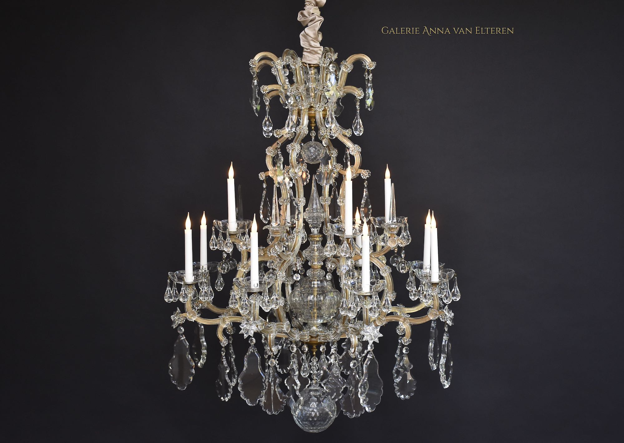 Maria Theresia chandelier